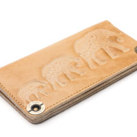 Wallet-Gato-Negro-Three-Elephants-Ivory-4